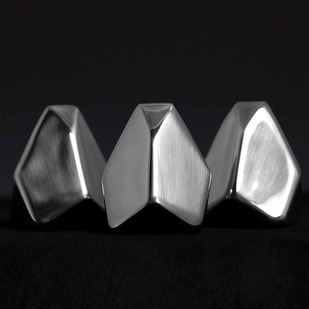 Polar - Iceberg-shaped Metallic Drinking Stones