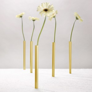 Magnetic-Vase-gold-1
