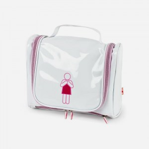 toiletry-bag-woman21
